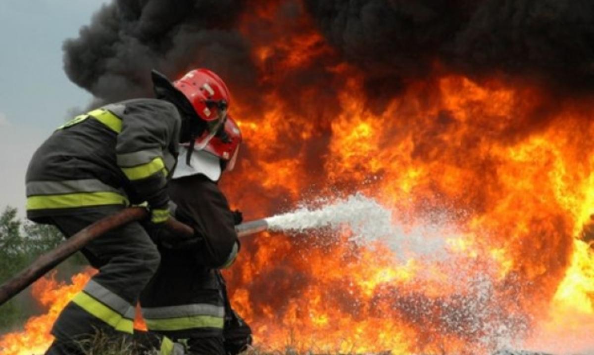 Πάτρα: Καίγεται το Κεφαλόβρυσο – Τραυματίστηκε πυροσβέστης – Video | Newsit.gr