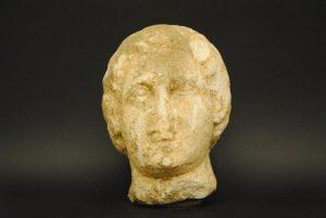 Mαρμάρινη κεφαλή του 2ου αιώνα πΧ είχε ένας 44χρονος στις Σέρρες! [pic]