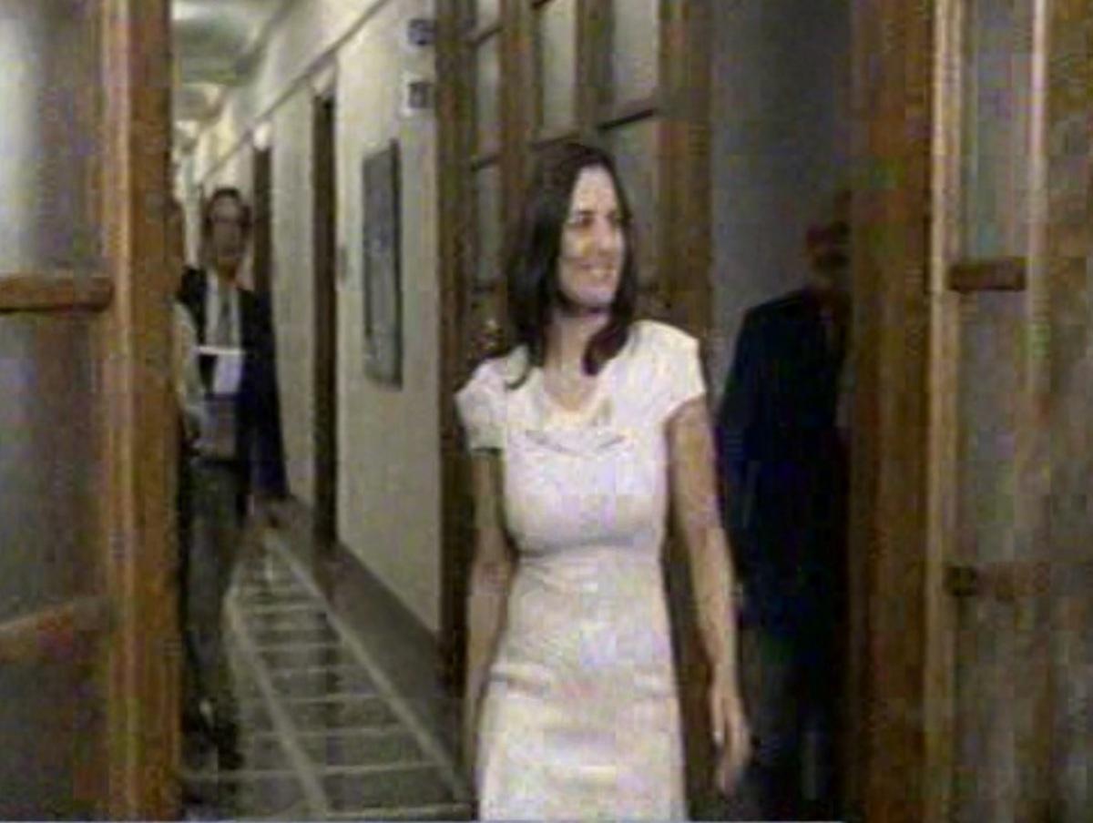 Όλγα Κεφαλογιάννη: «Περιμένετε και εμένα καλέ» | Newsit.gr