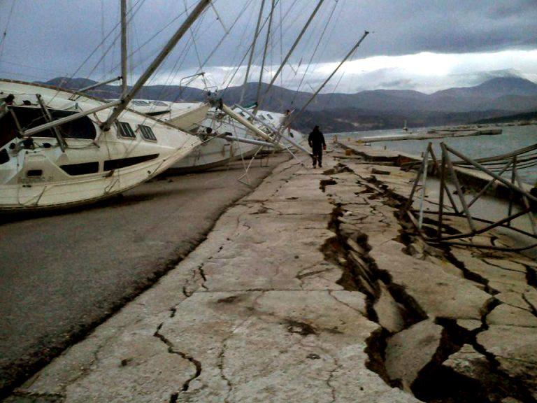 Οι  πρώτες εικόνες από το νέο σεισμό στην Κεφαλονιά – Απίστευτο video από τη στιγμή που σείστηκε η γη! Στο Ληξούρι οι περισσότερες ζημιές | Newsit.gr