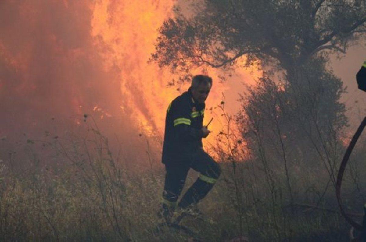 Πάτρα: Υπό μερικό έλεγχο η φωτιά στο Κεφαλόβρυσο   Newsit.gr