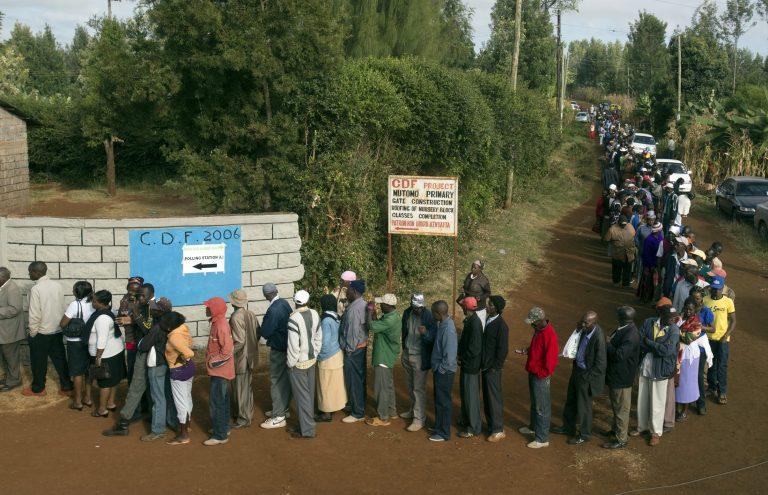 Έβγαλαν μαχαίρια στις εκλογές της Κένυας! – 15 νεκροί από τις επιθέσεις | Newsit.gr