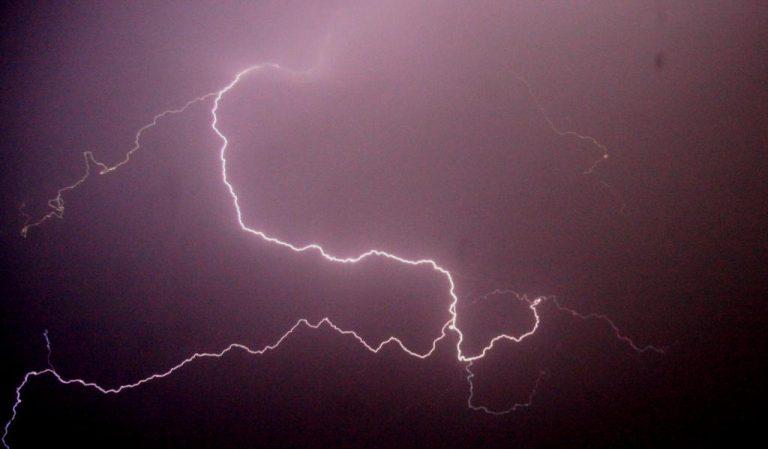 Οι κεραυνοί έφεραν… σκοτάδι σε πολλές περιοχές των Χανίων | Newsit.gr