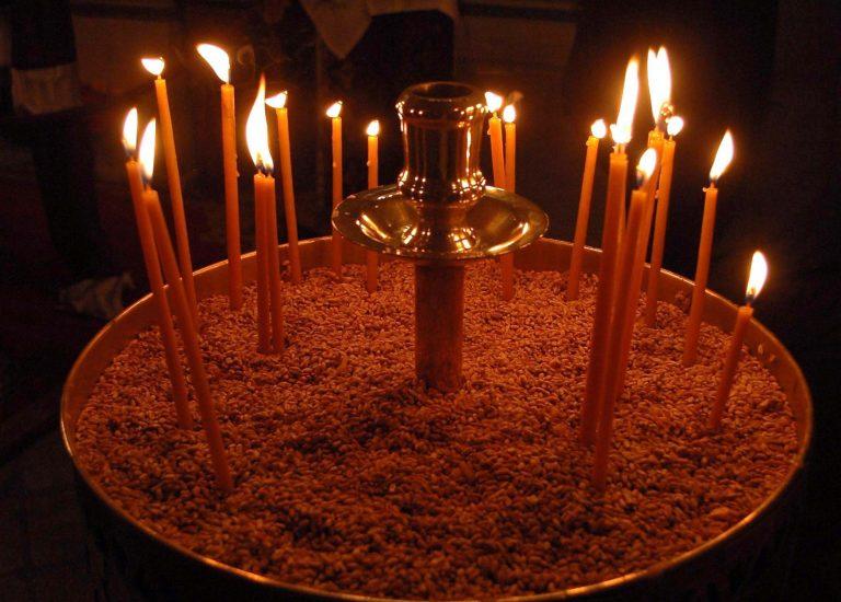 Φωτιά σε εκκλησία από αναμμένα κεριά | Newsit.gr