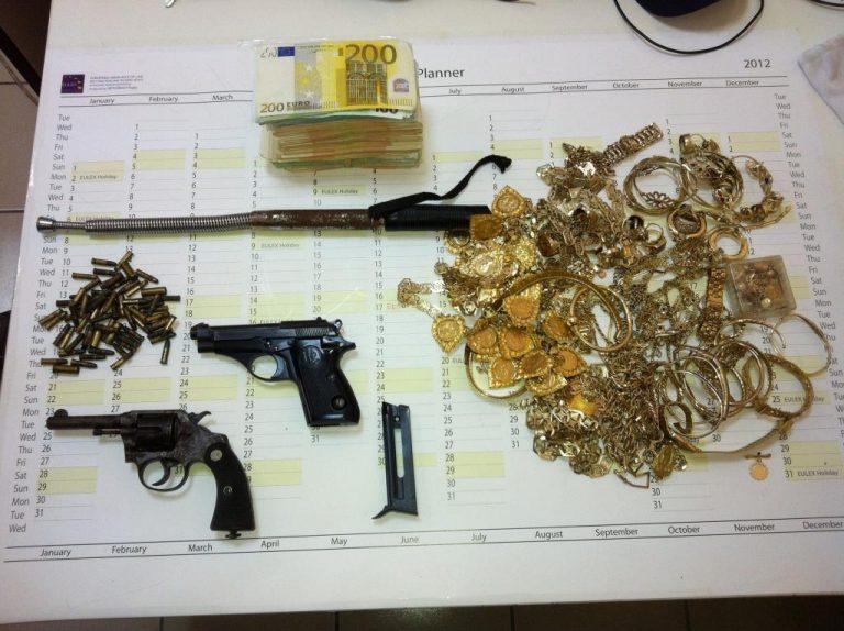 Κέρκυρα: Τρεις τσιγγάνοι πίσω από την κλοπή των 55.000 ευρώ | Newsit.gr