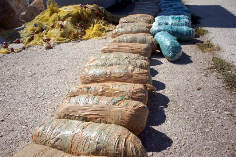 Κέρκυρα: Βρήκε σχεδόν 100 κιλά χασίς… στη θάλασσα! | Newsit.gr