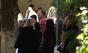 Θρήνος στην κηδεία του 14χρονου που τον σκότωσε ο συμμαθητής του – ΒΙΝΤΕΟ