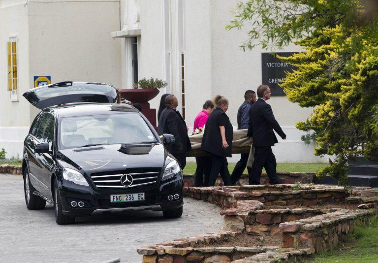 Κηδεύτηκε η άτυχη σύντροφος του Πιστόριους – ΦΩΤΟ και ΒΙΝΤΕΟ | Newsit.gr