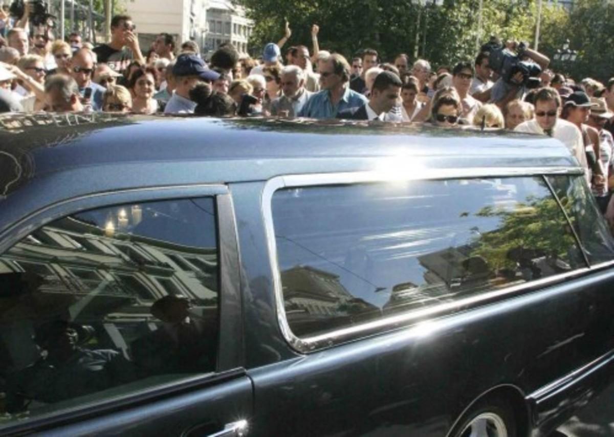 Ηράκλειο: Έκκληση για αίμα, από συγγενείς του τραυματία της κηδείας! | Newsit.gr