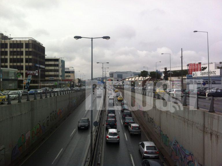 Χωρίς ΜΜΜ η Αθήνα «στενάζει» στους δρόμους | Newsit.gr