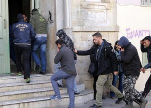 Κρήτη: Ρόλο πληροφοριοδότη είχε ο αρχιφύλακας στο κύκλωμα διακίνησης μεταναστών