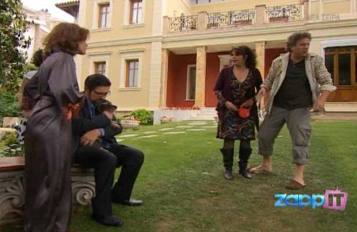 Βασιλιάδες: Ο Ταρζάν την πέφτει στη Μαρί Τερέζ και οι Κανελλόπουλοι τρελαίνονται! | Newsit.gr