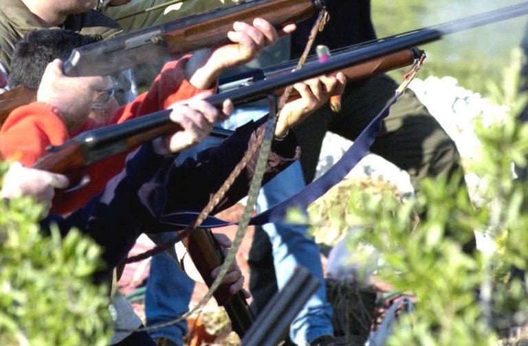 Ο σύζυγος για κυνήγι και η σύζυγος… στην αγκαλιά άλλου κυνηγού! | Newsit.gr