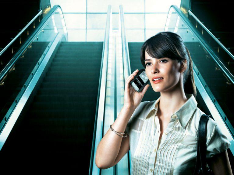 50 λεπτά ομιλίας στο κινητό μεταβάλουν τον εγκέφαλο   Newsit.gr
