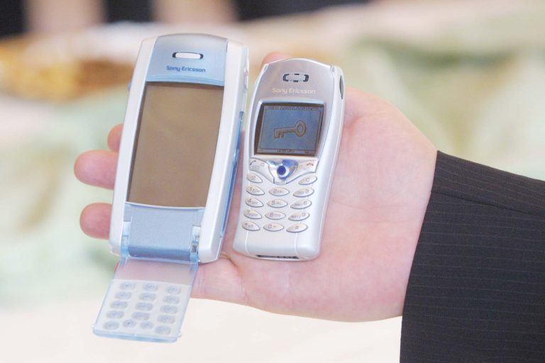 Παρά την κρίση πήραν «φωτιά» τα κινητά | Newsit.gr