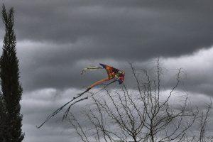 Καιρός Καθαράς Δευτέρας: Χαρταετός με… κρύο και τοπικές βροχές!