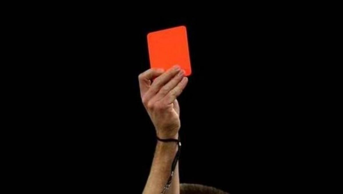 Ηλεία: Ο διαιτητής έκανε… το λάθος, να του δείξει κόκκινη κάρτα! | Newsit.gr