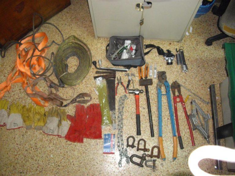 Εύβοια: Δυο του κλέφτη και… τους έπιασαν για κλοπή χαλκού από ανεμογεννήτριες | Newsit.gr