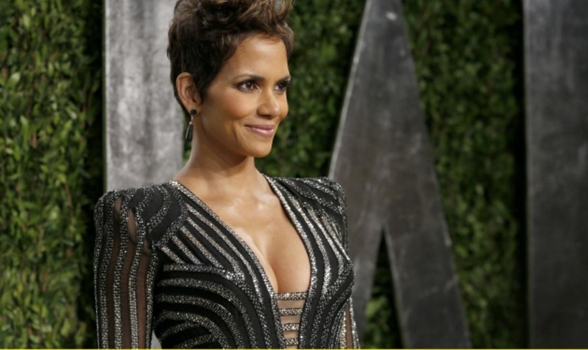 The Oscars 2013: Οι κυρίες προτίμησαν το βαθύ ντεκολτέ! Φωτογραφίες | Newsit.gr