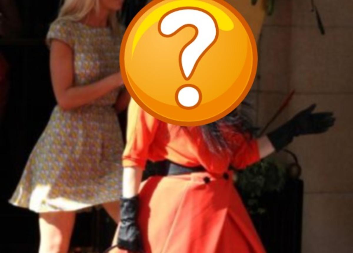Ποια διάσημη star κυκλοφορούσε σαν Κοκκινοσκουφίτσα στο Λονδίνο; | Newsit.gr