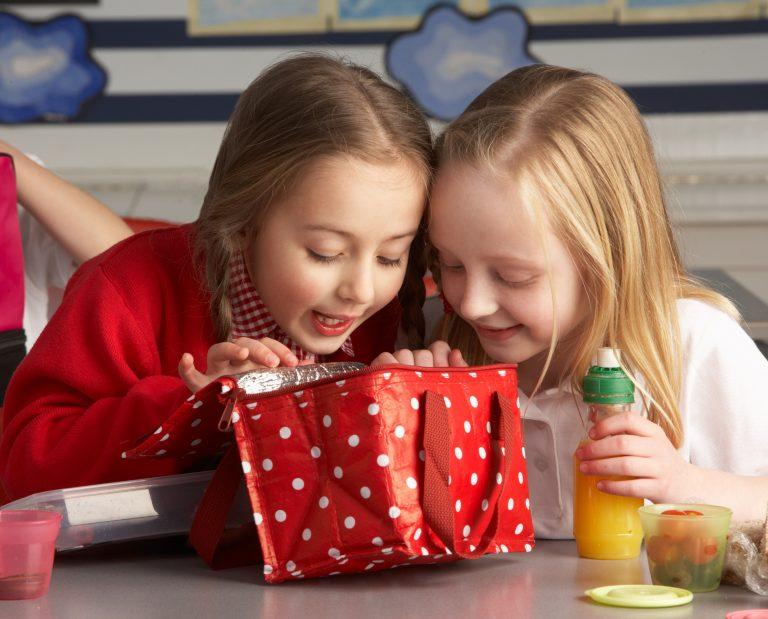 Πόσο ασφαλές είναι το φαγητό στα σχολικά κυλικεία; | Newsit.gr