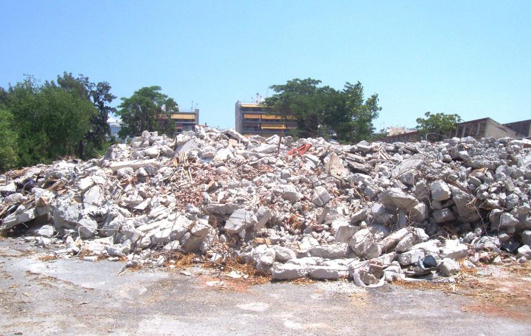 Eπιχείρηση σκούπα για τους αλλοδαπούς στο κτίριο της Κολούμπια | Newsit.gr