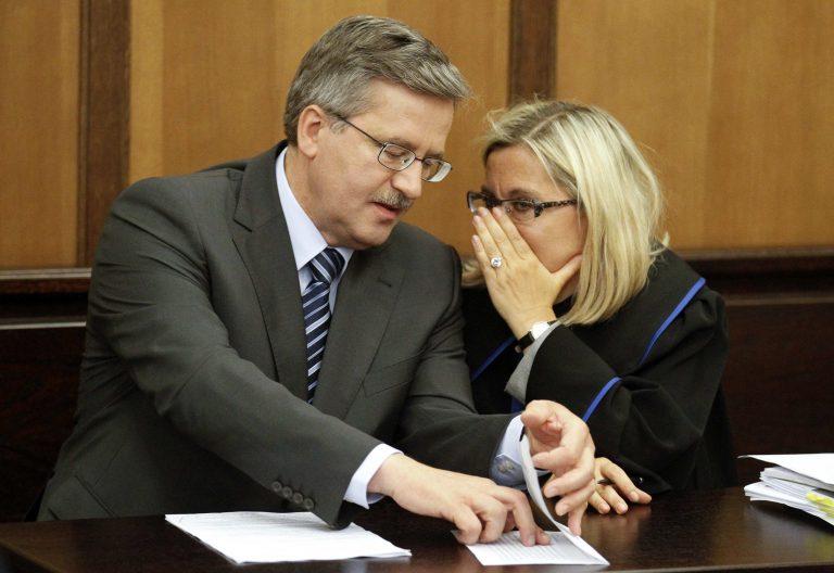 Πολωνία: Προβάδισμα Κομορόφσκι για την προεδρία | Newsit.gr