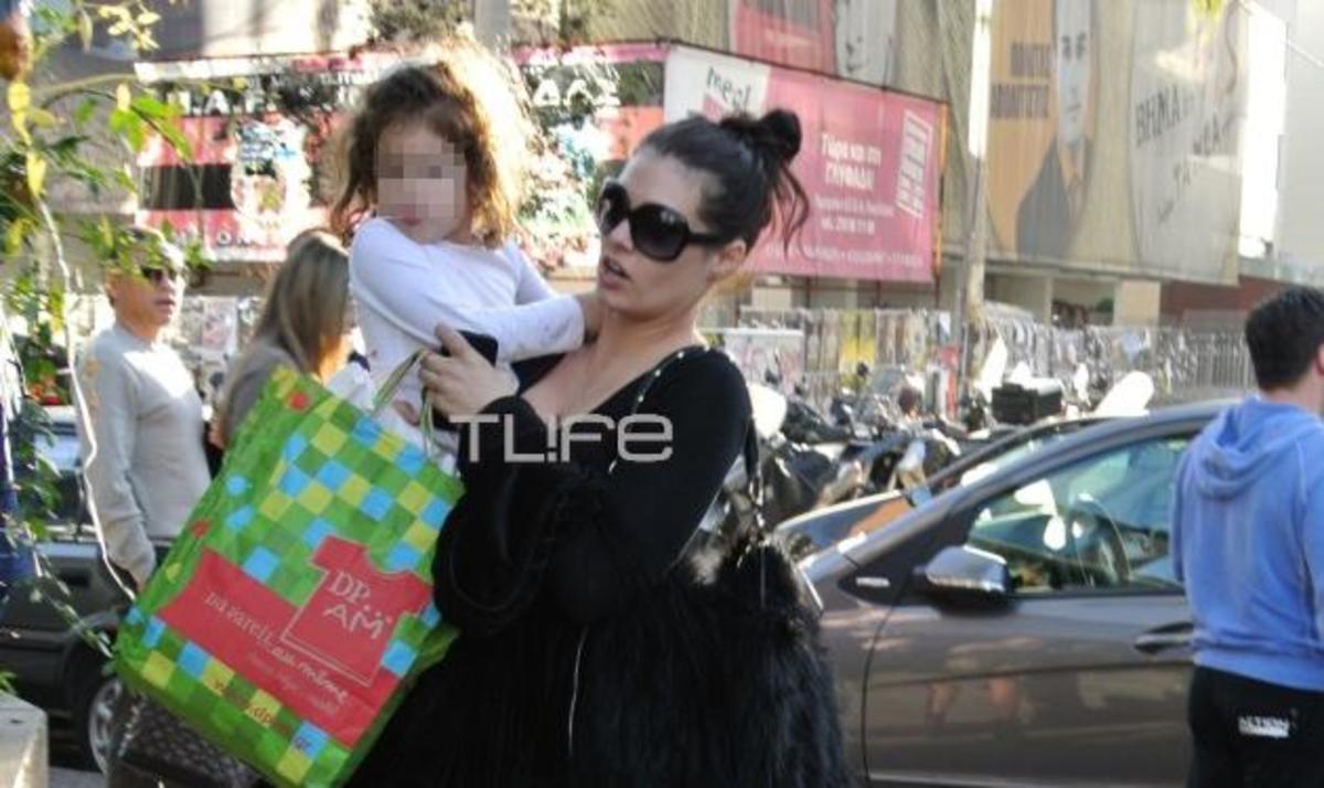 Μ. Κορινθίου: Γιορτινές βόλτες στη Γλυφάδα με την μικρή Ισμήνη! Φωτογραφίες | Newsit.gr