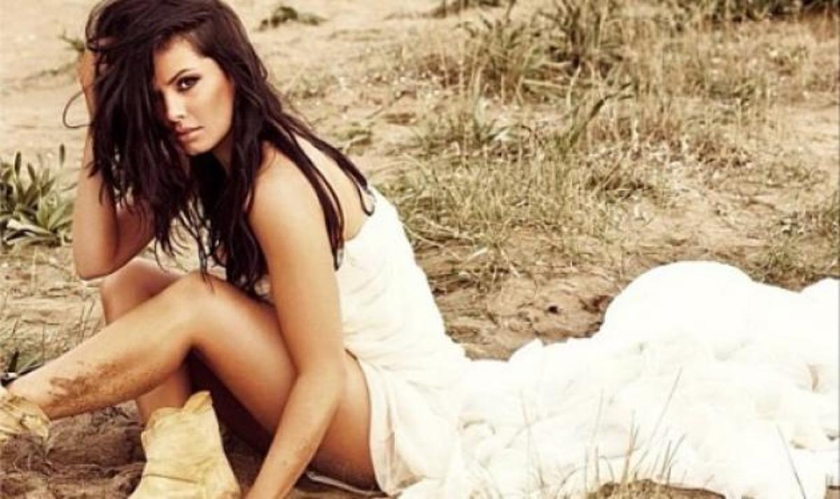 Μαρία Κορινθίου: Δες το μακιγιάζ που της έκανε η… κόρη της! | Newsit.gr