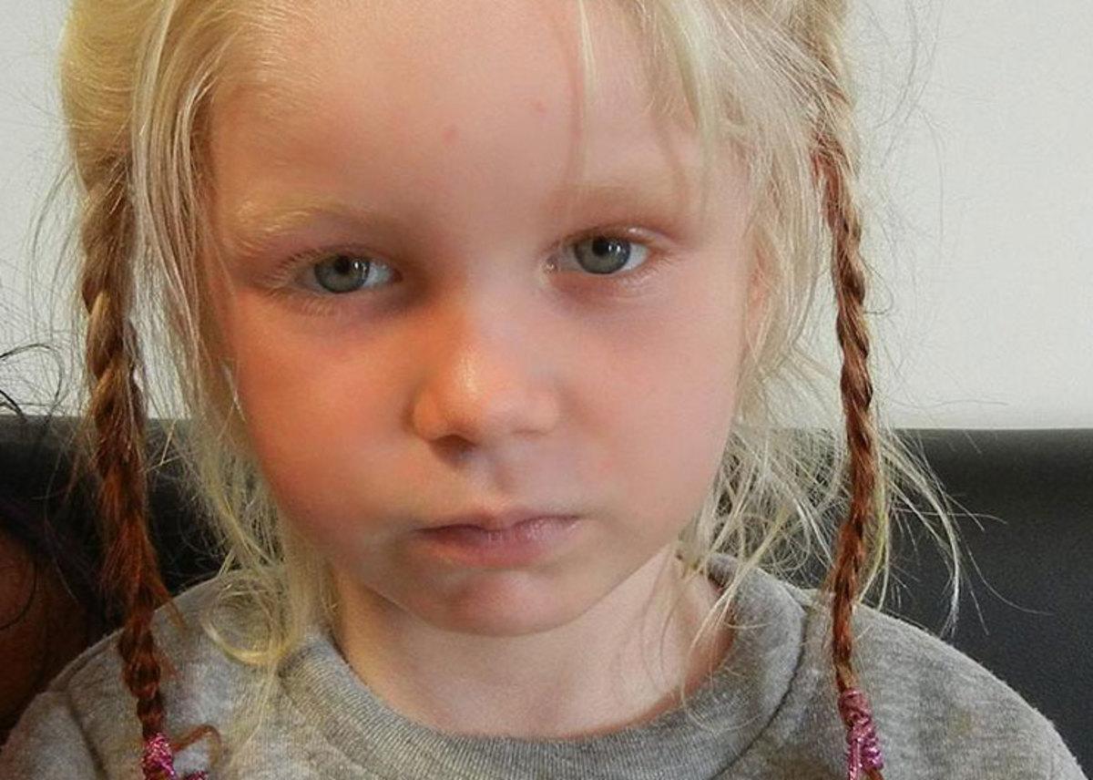 Αυτό είναι το κοριτσάκι που είχαν απαγάγει και κρατούσαν σε καταυλισμό  τσιγγάνοι στα Φάρσαλα  2da5019092a