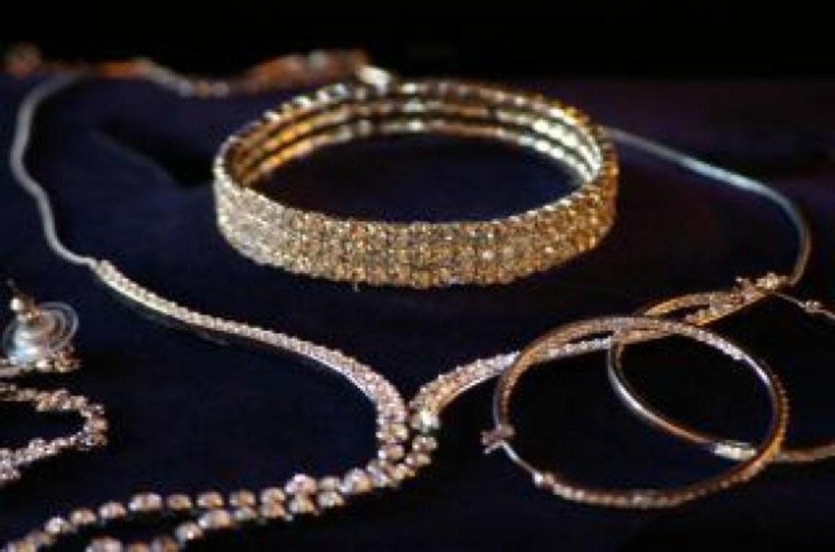 Σαντορίνη: Πήραν τα κοσμήματα και… κάτι «ψιλά»!   Newsit.gr