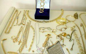 Οι ληστές μπήκαν από τη στέγη και βούτηξαν κοσμήματα 25.000 ευρώ!