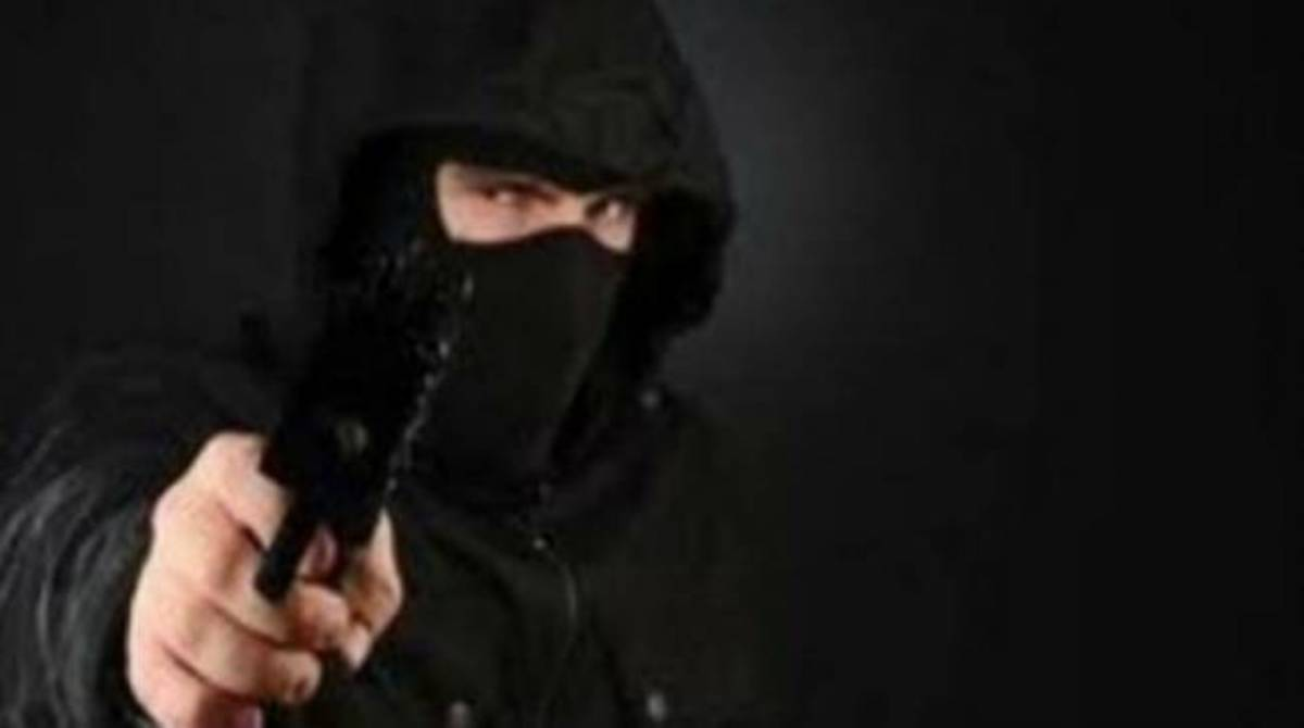 Πρέβεζα: Κουκουλοφόροι πήραν… σβάρνα τα σουπερ μάρκετ! | Newsit.gr