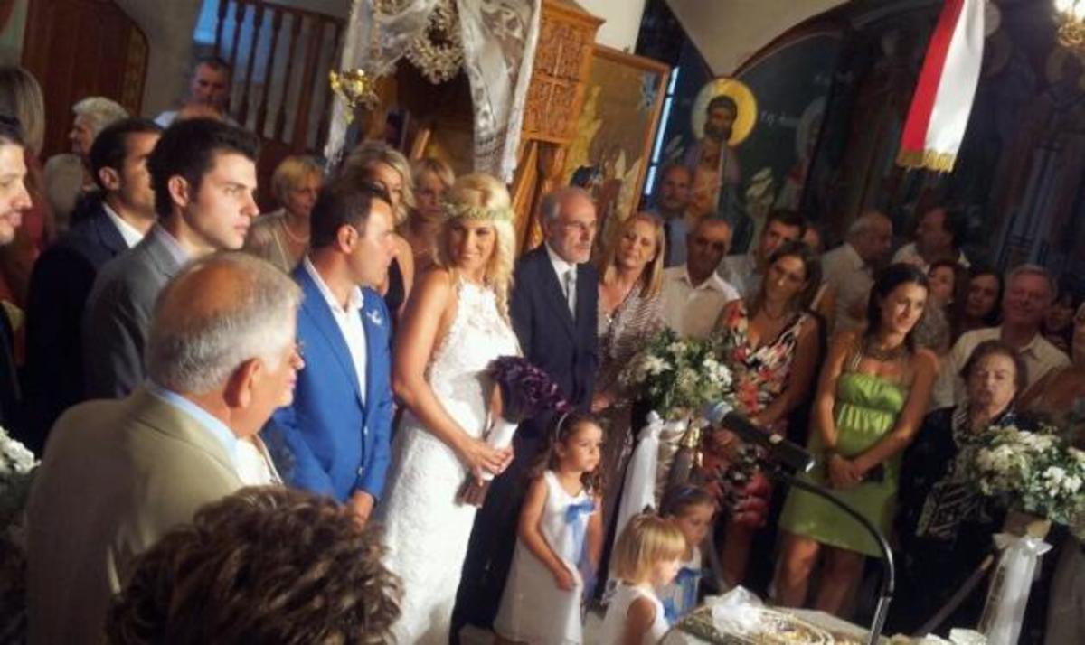 Ν. Κουτροκόη – Μ. Λουπασάκης: Παραμυθένιος γάμος στην Κρήτη! Δες φωτογραφίες   Newsit.gr