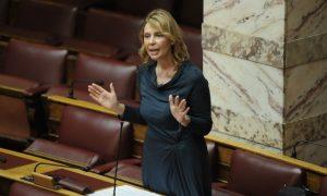 Μαντινάδες και tweets αντί για απαντήσεις στις Ερωτήσεις που τους απευθύνουν στην Βουλή