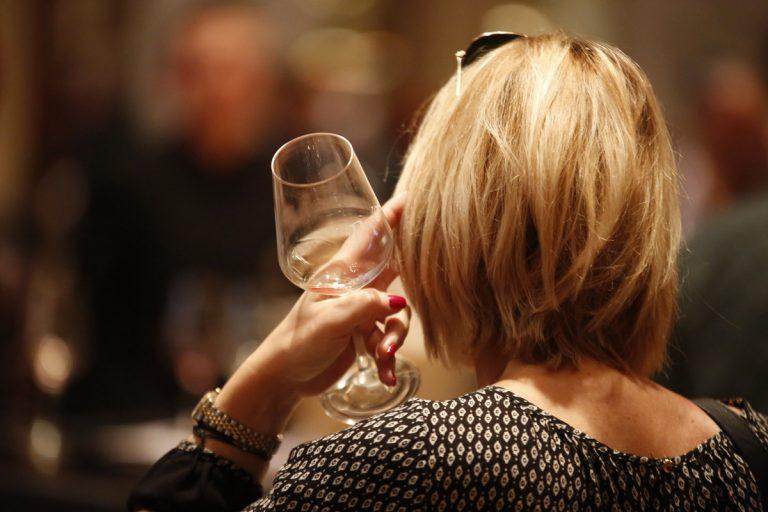Η κρίση έκανε καλό στο ελληνικό κρασί   Newsit.gr