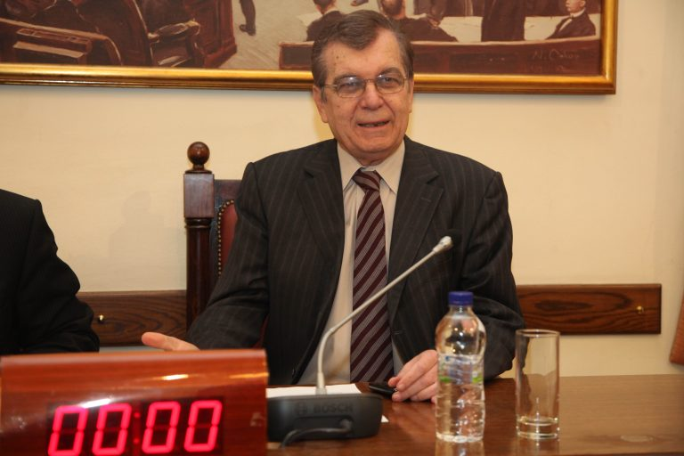 Δεν έχουν τέλος οι προκλήσεις από τη Βουλή – Βουλευτής ζητά αυξήσεις στους μισθούς των βουλευτών με υπερωρίες και εκτός έδρας | Newsit.gr