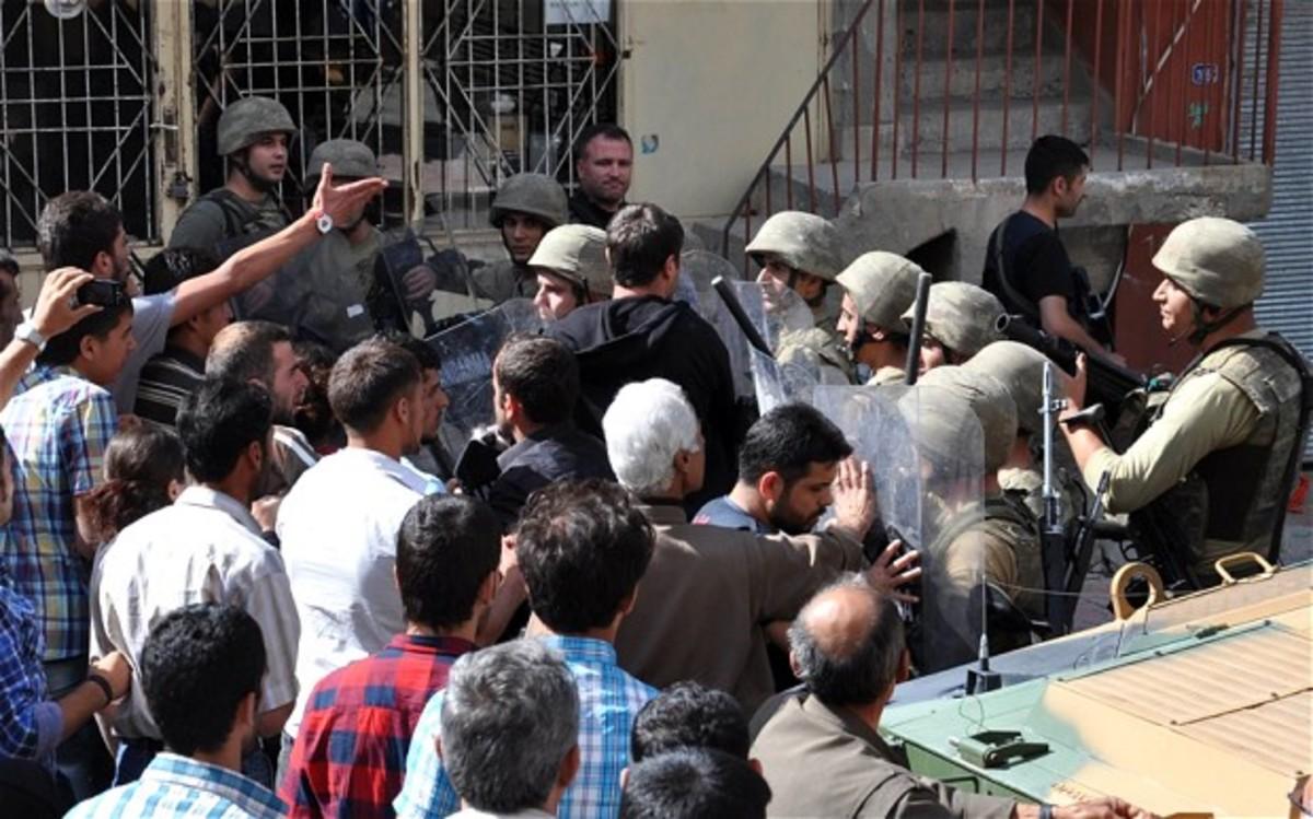 27 νεκροί σε μάχες μεταξύ Κούρδων ανταρτών και δυνάμεις ασφαλείας | Newsit.gr