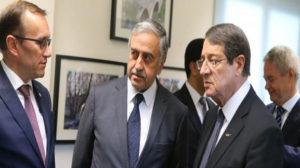 """Κυπριακό: """"Ρωσικό παρασκήνιο για κατάρρευση των συνομιλιών"""""""