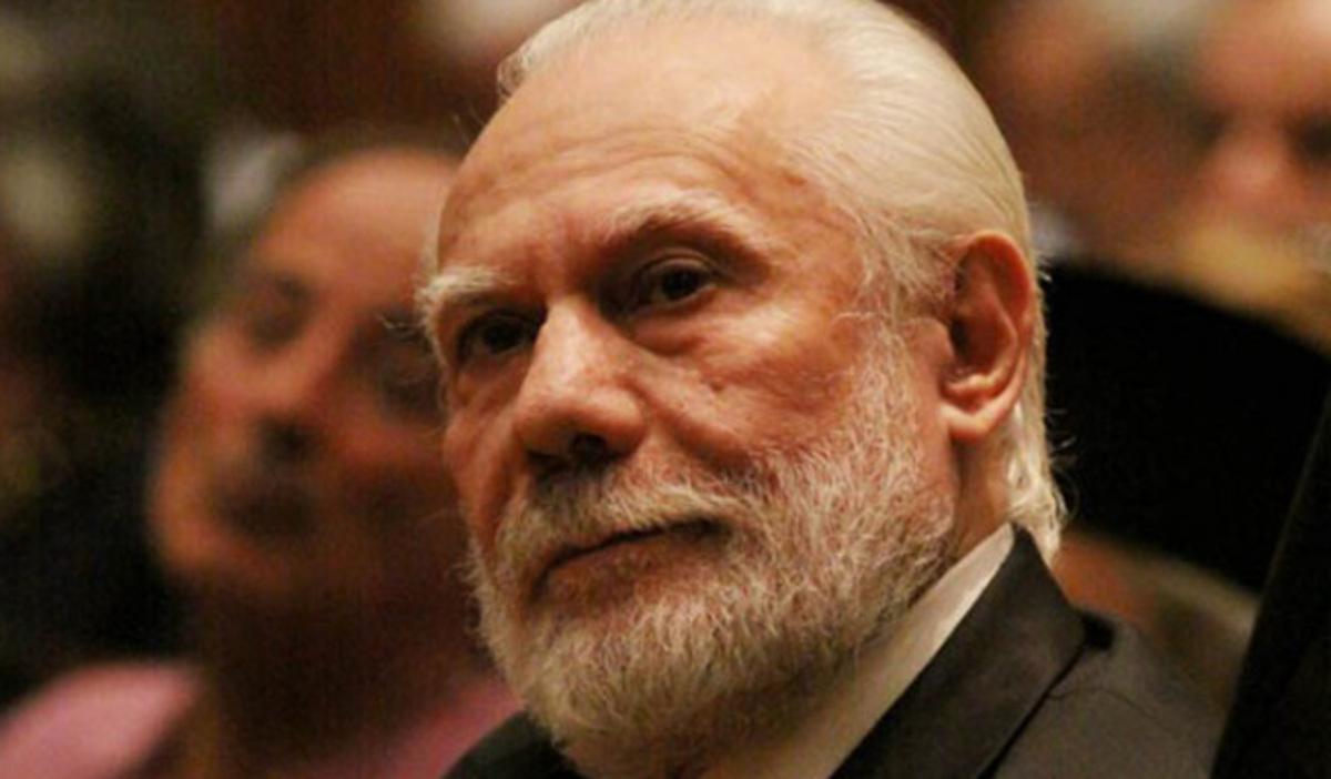 Ο Κυριακίδης το… έσκασε στη Λατινική Αμερική ντυμένος παπάς! | Newsit.gr