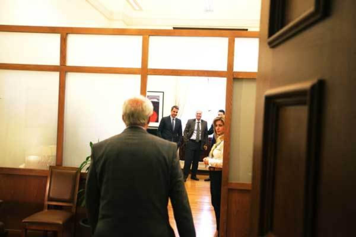 Μεϊμαράκης: Είπαμε με τον Κυριάκο να βοηθήσουμε τον Τσακαλώτο να βγεί με την Σκάρλετ… [pics] | Newsit.gr