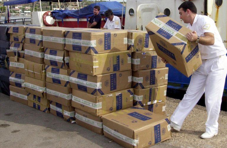 3.000 κούτες λαθραία τσιγάρα στις ακτές της Εύβοιας | Newsit.gr