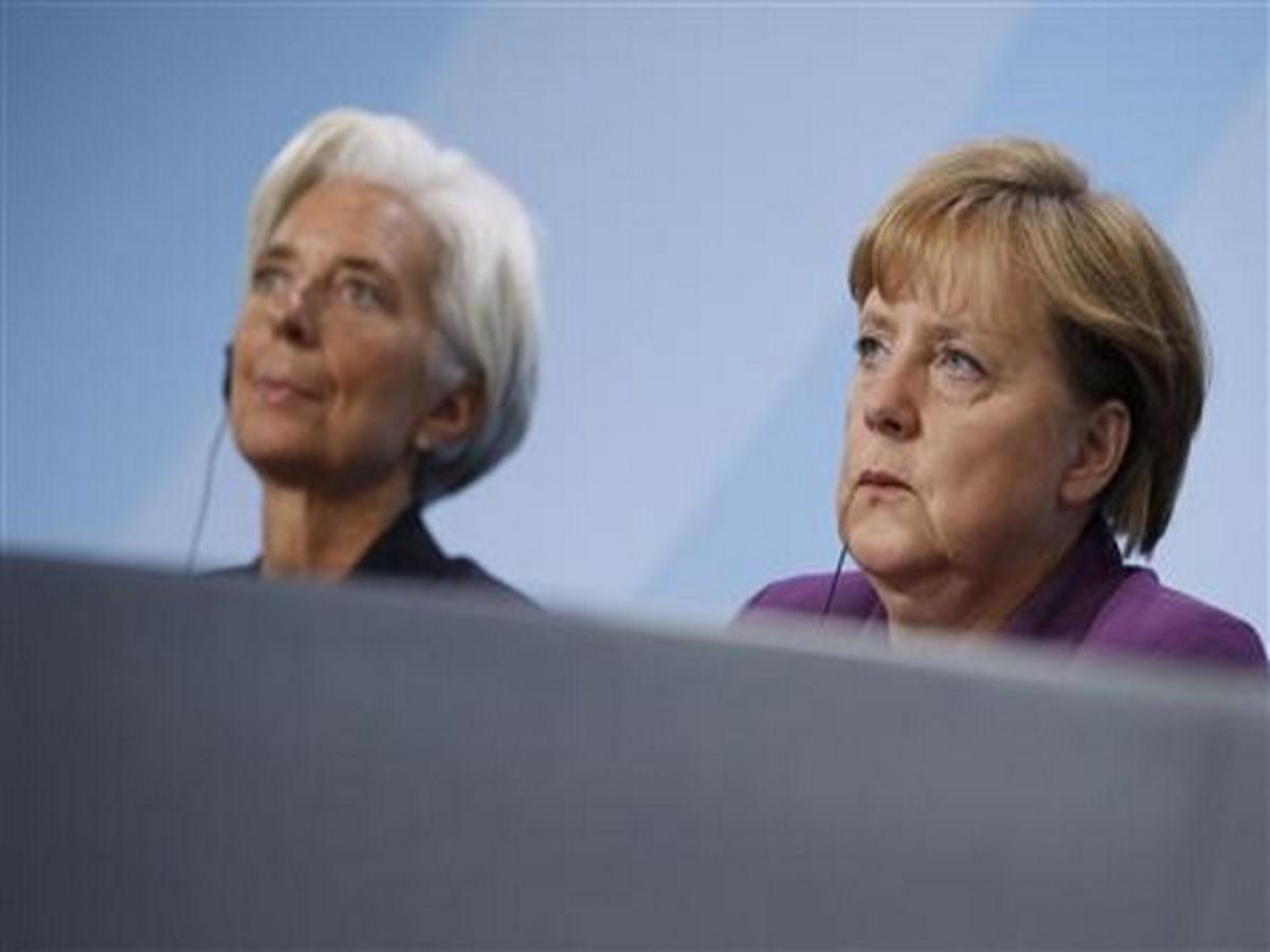 Λαγκάρντ: «Δεν χρειάζεται κούρεμα του ελληνικού χρέους»