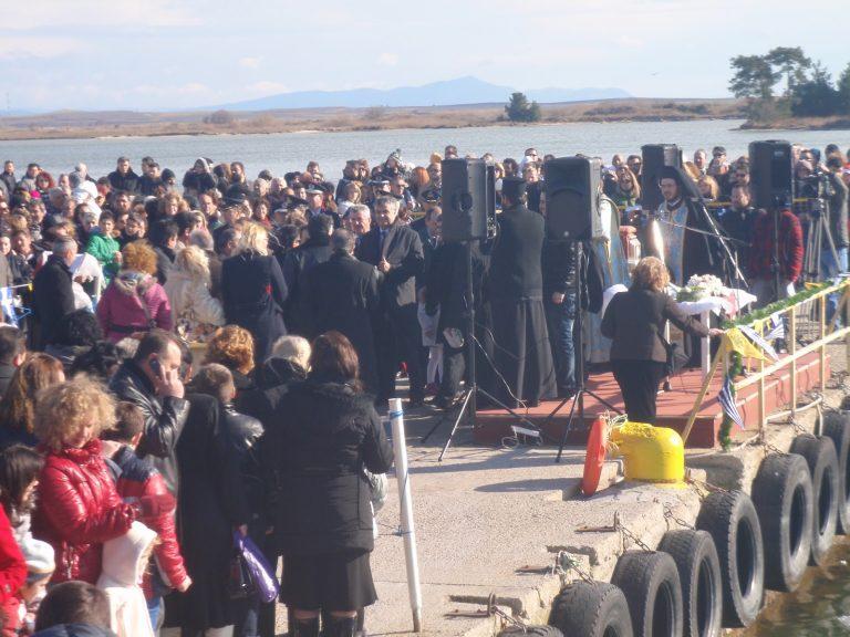 Ξάνθη: Του γλίστρησε… ο Σταυρός (video) | Newsit.gr