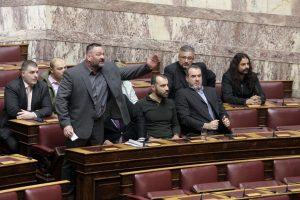 Παραλήρημα Λαγού στη Βουλή: Είστε μπολσεβίκοι και πολιτικά καθάρματα!