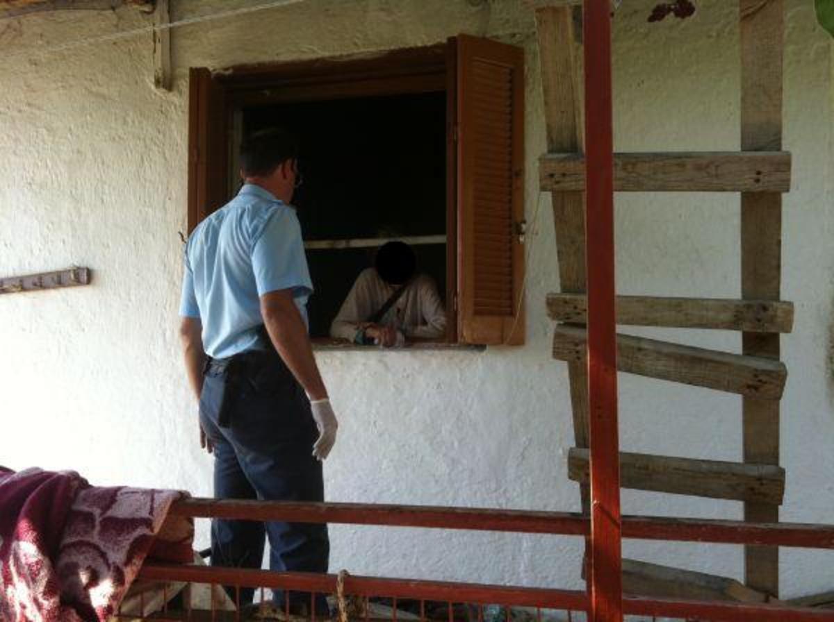 Φθιώτιδα: Γεράματα… μαρτυρικά! Ζει στα σκουπίδια μαζί με ποντίκια! | Newsit.gr