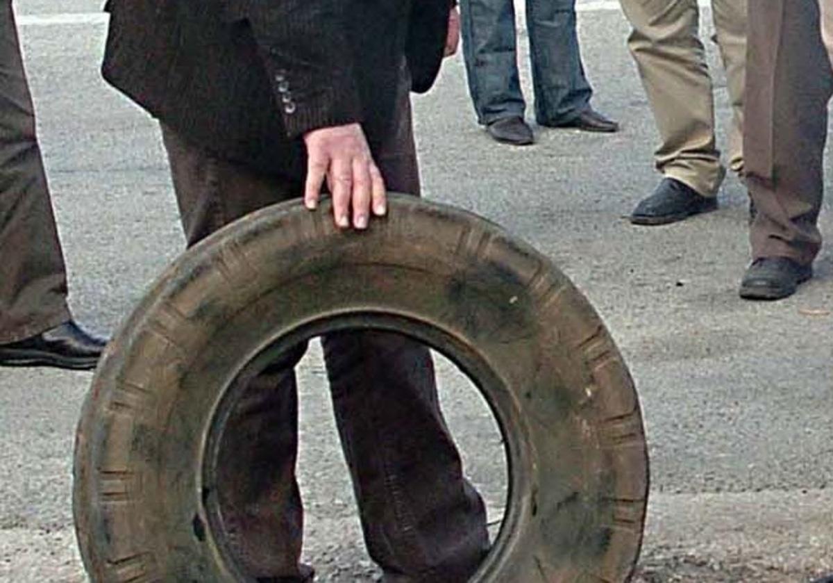 Κυλλήνη: Ξέμεινε από βενζίνη και… του «έγδυσαν» το αυτοκίνητο! | Newsit.gr