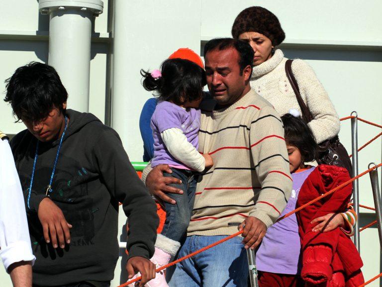 Δραματική επιχείρηση διάσωσης λαθρομεταναστών στη Σάμο   Newsit.gr