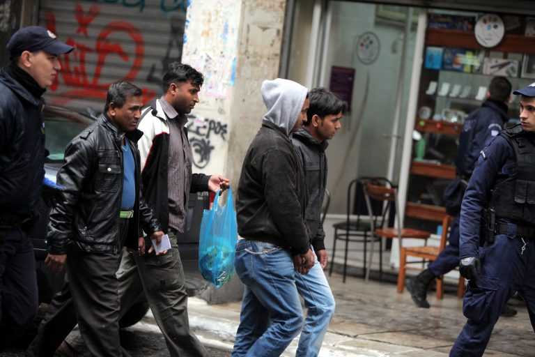 Συνελήφθησαν… επί το έργον διακινητές λαθρομεταναστών – Έπαιρναν 4.000 ευρώ το κεφάλι | Newsit.gr