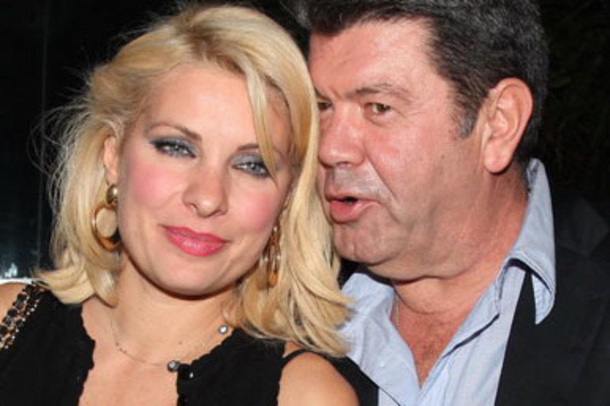 Μενεγάκη-Λάτσιος: Μαζί για τα γενέθλια της Λάουρας! | Newsit.gr